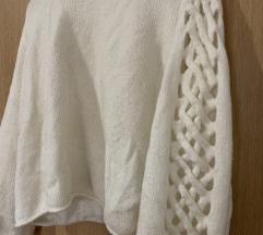 Zara bijeli pulover