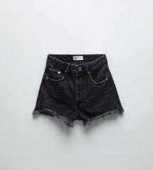 Kratke hlače srednje visokog struka