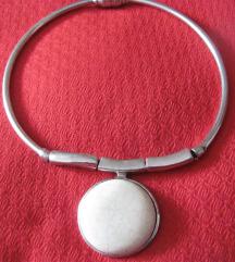 Čvrsta ogrlica