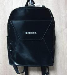 Novi Diesel ruksak- s etiketom