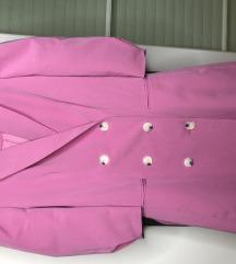 Roza haljina ili blazer