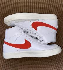 Nove Nike Blazer