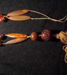 Bakelitna ogrlica sa ekstra velikim perlama