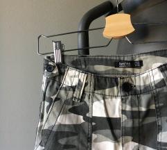 bershka sive vojničke cargo hlače