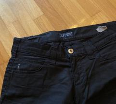 Original Armani crne hlace