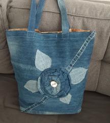 Traper torba sa cvijećem