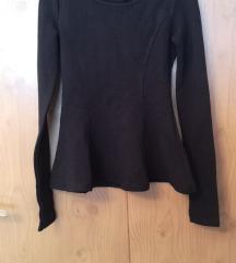 DIVIDED peplum crna majica; H&M