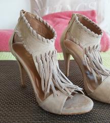 Zenske cipele na petu broj/37