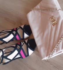 Sandale i torbica u lotu