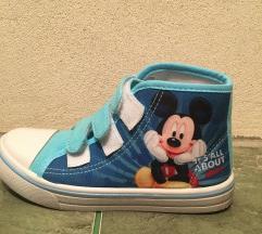 Mickey patike