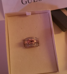 Orginal Guess prsten nikad nosen.