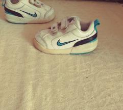 Nike tenisice 20