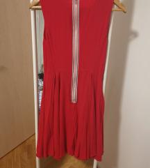 Crvena haljina Review