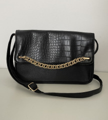 Mala crna torbica Avon NOVO