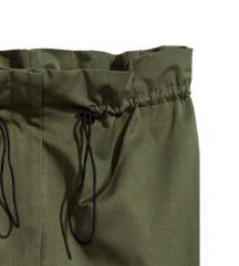H&M posebne hlače NOVE