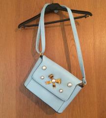 Tirkizna torbica s biserima
