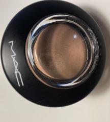 % Mac mineralize blush %