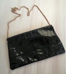 Crna lakirana torbica NOVO!!