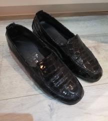 Cipele na malo povišenu petu