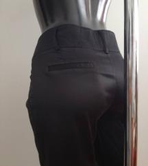 Crne hlače M/L samo 55kn/sve 55kn ili 39kn
