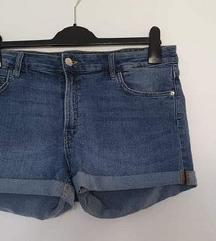 Nove H&M traper hlačice