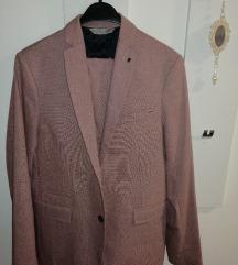Muško odijelo Zara