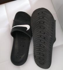 Nike šlape