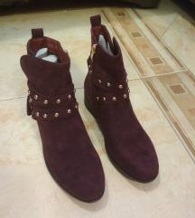 nove cizme bordo brusena koza