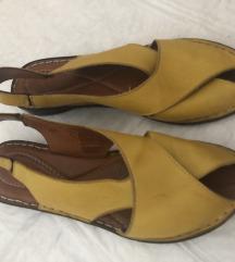 Kožne mekane žute sandale