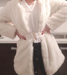 PREDLOŽI CIJENU Bijela bunda