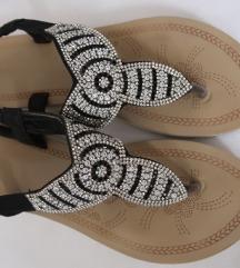 Sandale japanke sa cirkonima 38