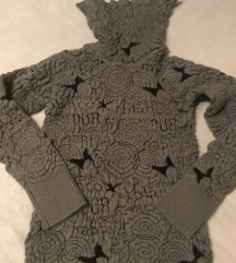 REZ- Desigual pulover