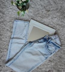 Svijetli jeans hlače