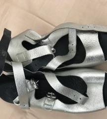 Sandale srebrne Guliver 39