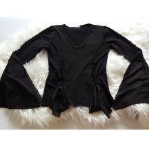 Crna viskoza majica s perlicama i tilom, kao nova