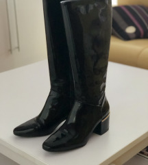 👢Zara crne lakirane čizme 👢