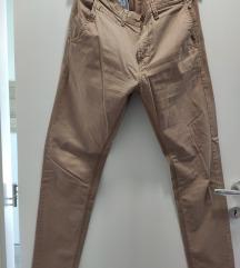 Muške smeđe hlače vel 32