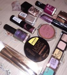 Set dekorativne kozmetike -NEKORIŠTENO