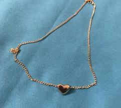 Ogrlica srce zlatne boje