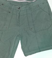 C&A kratke hlače vel.46