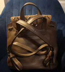 Smeđi ruksak torba