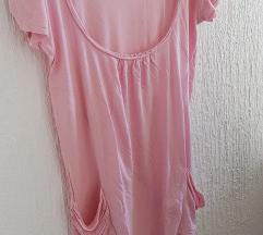Roza pamučna majica s džepovima