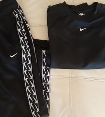 Nike orginal trenerka, vel.M