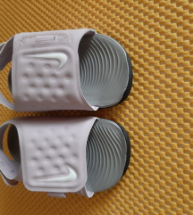 Nike sandale br 22