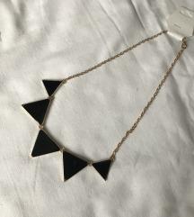 Zlatna ogrlica sa crnim trokutima