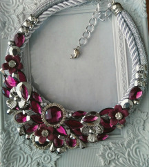 srebrno ljubičasta ogrlica