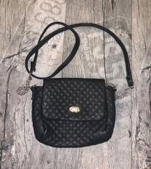 Crna kozna torbica za svaki dan ili izlazak