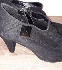 Crne cipele na petu AKCIJA