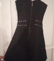 Mala crna haljina s naramenicama