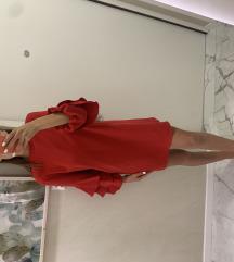 %Crvena haljina iz zare
